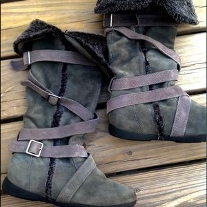 JOURNEYS: Gray boots with fur
